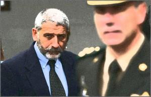 El Coronel (retirado) Eduardo Ferro, llegando al acto de asuncion del nuevo Comandante del Ejército Nacional, Jorge Rosales, en el Comando del Ejército 30 de octubre de 2006 Montevideo - Uruguay